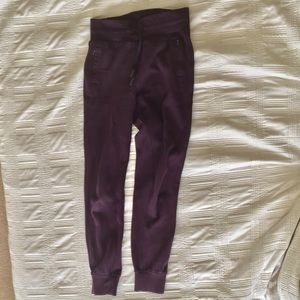 Lululemon Warm Down Jogger - Size 4